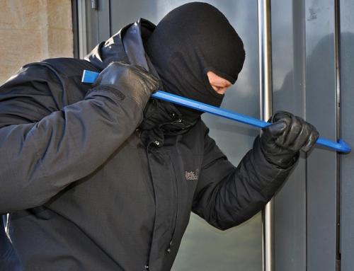 Un ladrón 'jubilado' publica su lista de trucos para robar en una casa